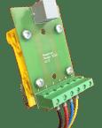 Umożliwia przejście z połączenia kablowego w standardzie RJ12 na zaciski śrubowe. Umożliwia uniknięcie zaciskania grubszych przewodów we wtyczce RJ lub w przypadku gdy ktoś nie lubi pracować z zaciskarką RJ. Rozstaw otworów umożliwia zamocowanie na jednym lub na dwóch uchwytach do szyny DIN35.